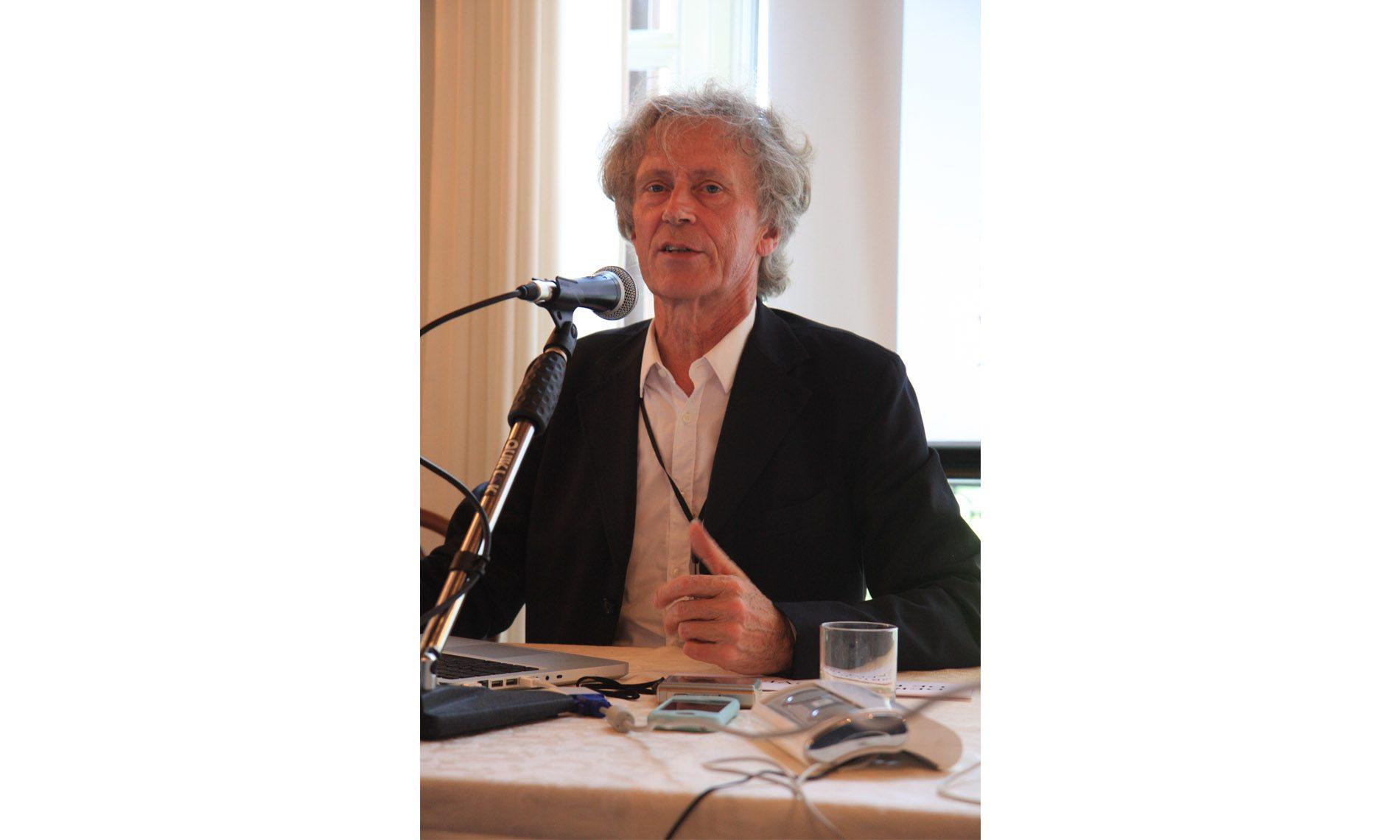 Derrick De Kerckhove a Futura 2009